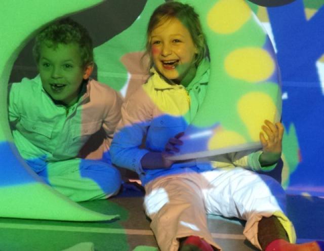 Leerlingen in kleurkamer Kunst Centraal