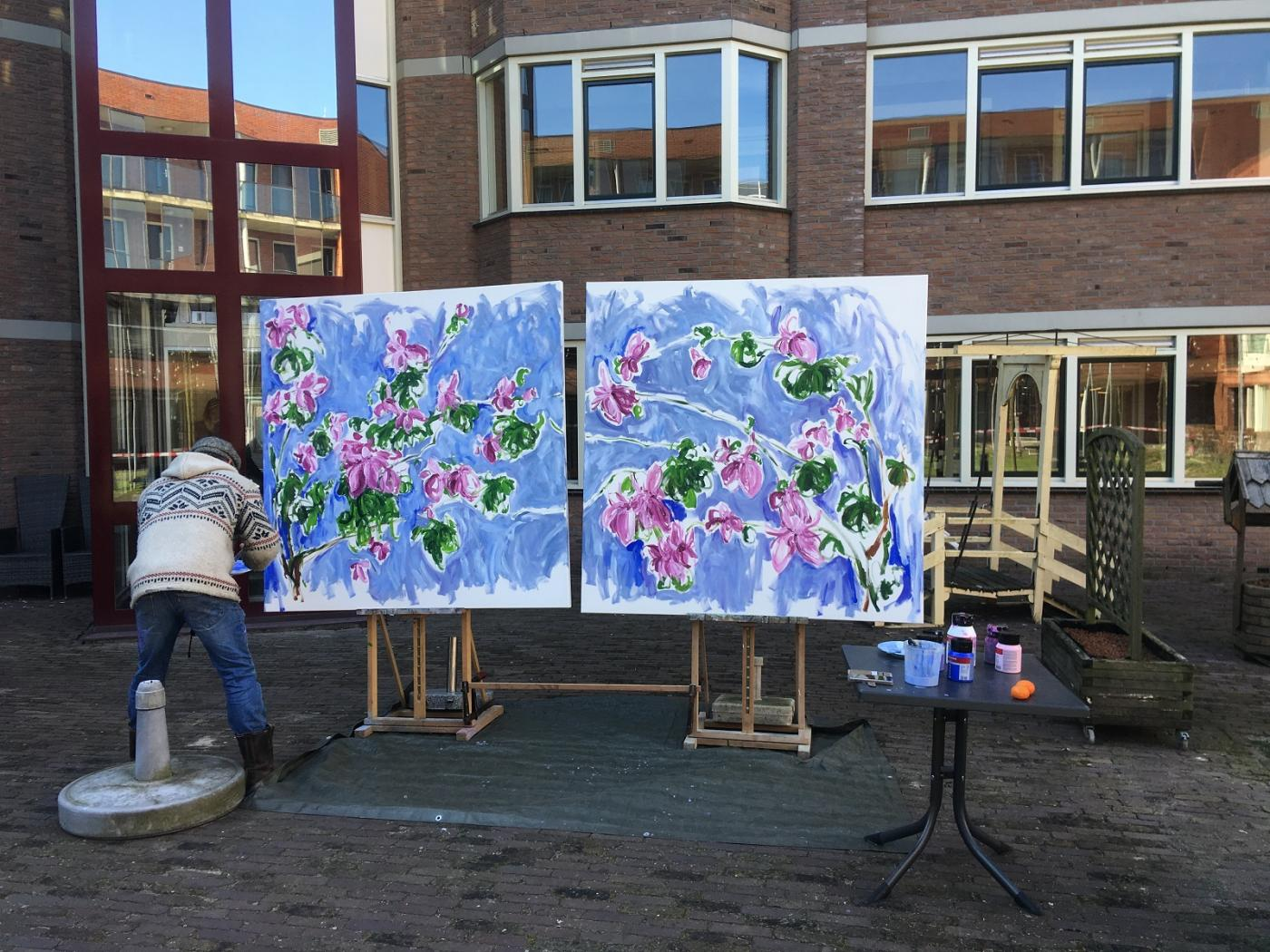 Kunstschilder Rob Cemeus schilder lentebloemen op afstand