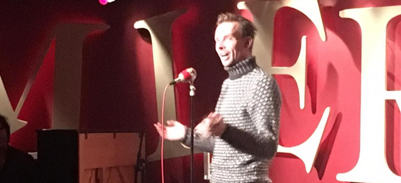 Mark Wagemakers op het podium van Echt gebeurd