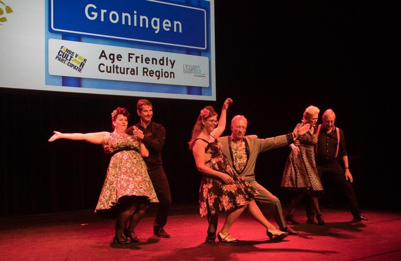 Ouderen uit Age Friendly Cultural Groningen dansen