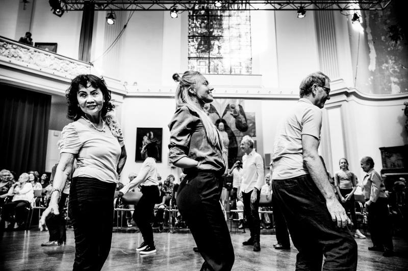 Dansers tijdens project