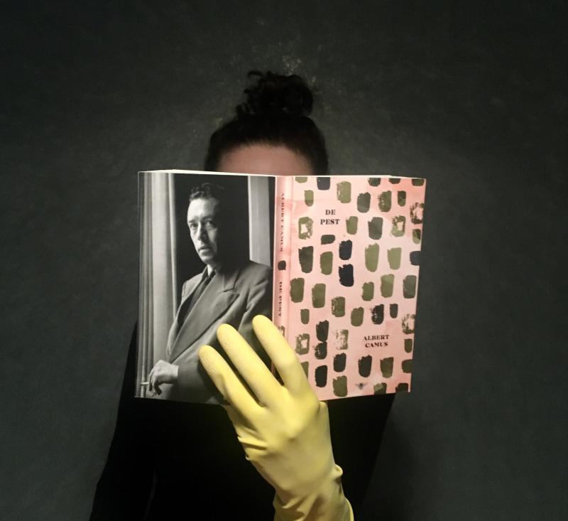 Vicky leest Camus in coronatijd